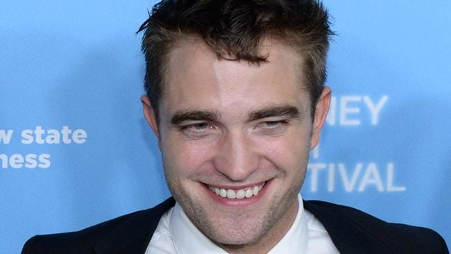 robert pattinson dating right now Robert pattinson and singer (nothing romantic is happening between them right now twigs also revealed to the new york times that dating pattinson came.