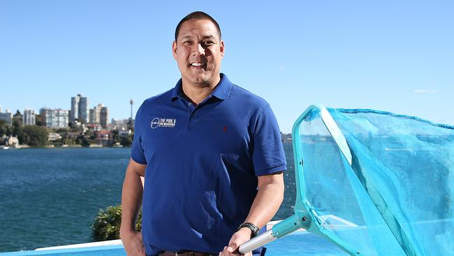 Olympic Swimming Medallist Geoff Huegill Cleaning Backyard Swimming Pools In Eastern Suburbs