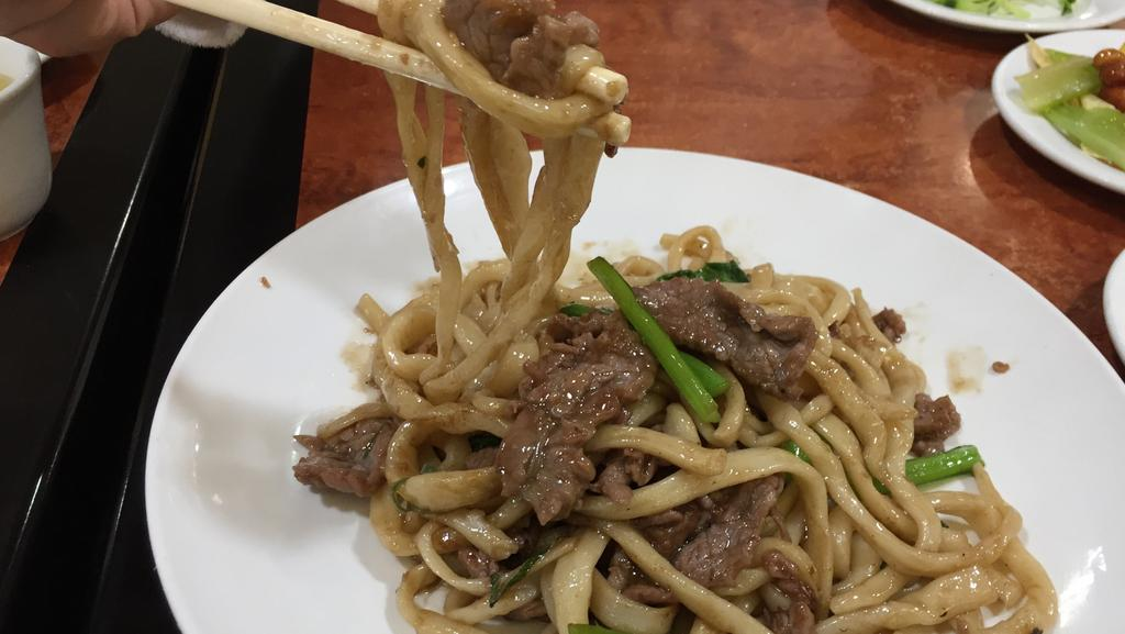 Grape Garden Beijing Cuisine: Hand-pulled noodles with braised beef.