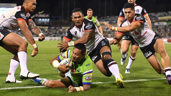 Leilua powered his way over for two tries.