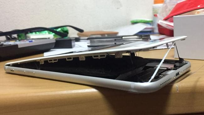Photos posted on Twitter the next day appear to show the split in the phone getting worse. Picture: Magokoro/Twitter