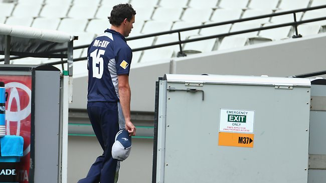 Clint McKay of the Bushrangers leaves the field of play after straining his hamstring during the Ryobi One Day Cup match between the Victorian Bushrangers and the Western Australia Warriors. Picture: Getty