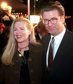 <p>Actors Alec Baldwin & wife Kim Basinger</p>