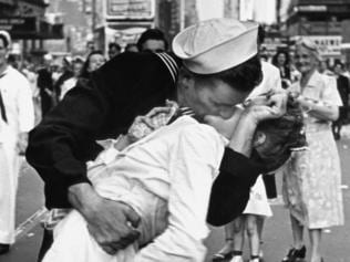 The world's most famous kisses