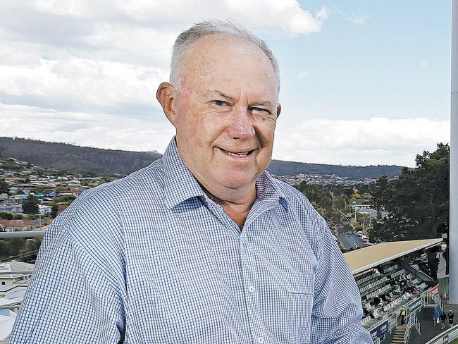 Legendary commentator Jim Maxwell will return to the commentary box.