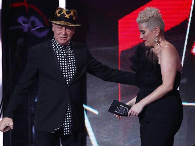 Russell Morris accepts the ARIA for Best Blues & Roots Album. Picture: Getty