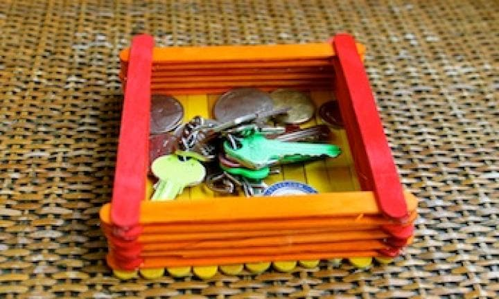 Father's Day: Popsicle stick keys and coins box