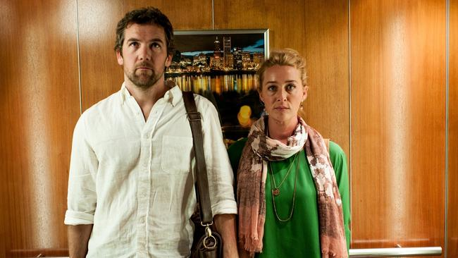 Tear jerker ... Offspring stars Leo Taylor (Patrick Brammall) with Nina Proudman (Asher Keddie) Picture: Channel 10
