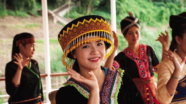 Hmong dancers.
