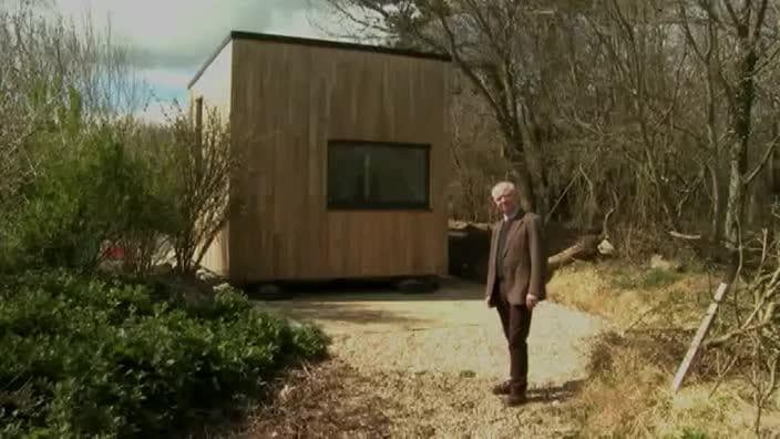 UK engineer creates the QB2 'cube house' that can be built ...