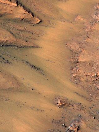 NASA scientists find water on Mars that could sustain ...