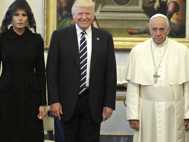 9d4dd7903a55ebce3ee8f54580950ea7 donald trump and the pope memes, funny videos win the internet,Pope Francis Trump Meme