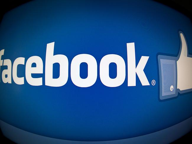 Facebook are taking on the self-destructive message industry.