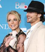 <p>US pop star Britney Spears and husband Kevin Federline</p>