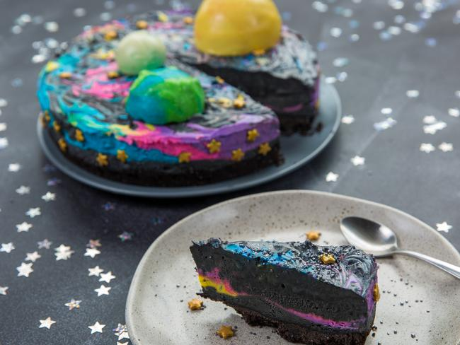 Design Your Own Ice Cream Cake : Star Wars day: Celebrate with this galaxy ice cream cake ...