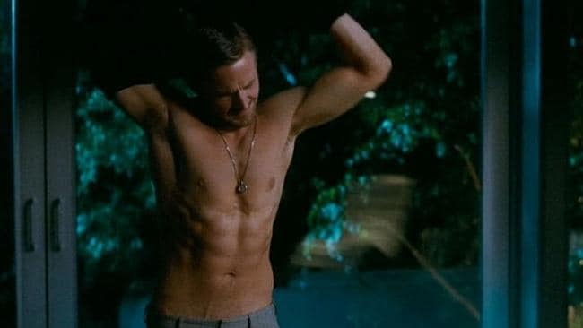Even Ryan Gosling waited until the second or third date before whipping off his shirt. And he's Ryan Gosling.