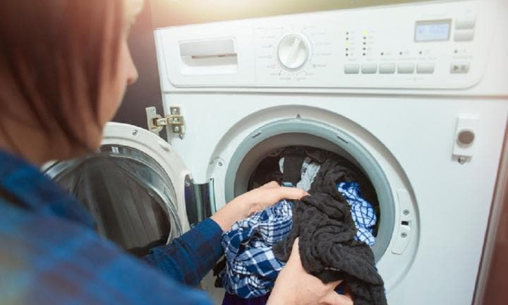 CHOICE: cleaning power of some laundry detergents barely better than water