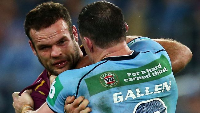 Paul Gallen and Nate Myles go at it in Origin I.