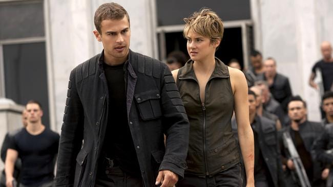 Theo James and Shailene Woodley try to put some 'urgent' in Insurgent.