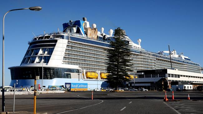 World S Fourth Biggest Cruise Ship Ovation Of The Seas