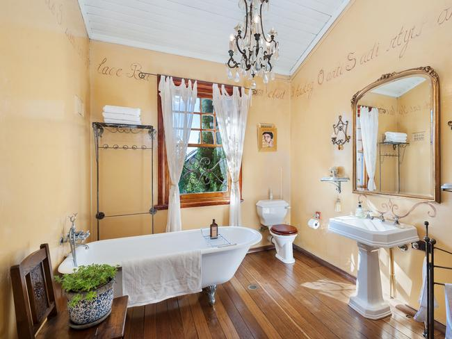 The property's European bathroom.