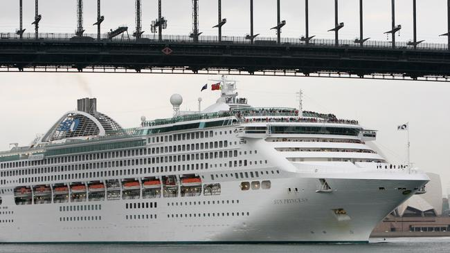 Cruise Ships The Mystery That Surrounds Deaths At Sea - Cruise ship mysteries