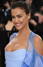 """Irina Shayk attends the """"Manus x Machina: Fashion In An Age Of Technology"""" Costume Institute Gala at Metropolitan Museum of Art on May 2, 2016 in New York City. Picture: Larry Busacca/Getty Images"""