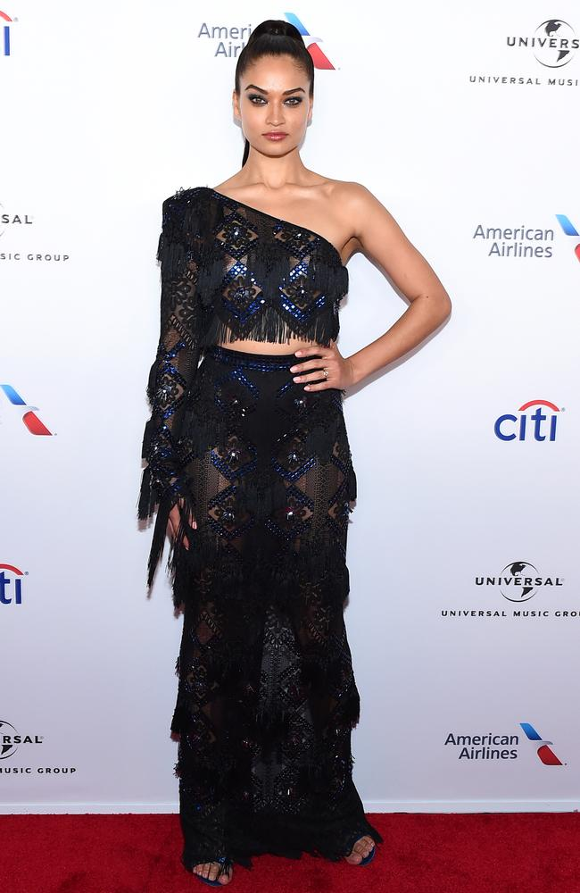 She wore a one-sleeved crop top, teamed with a floor-length skirt. Picture: Getty Images