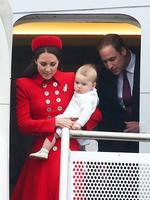 <p> Prince William, Duke of Cambridge, Catherine, Duchess of Cambridge and Prince George of Cambridge arrive at Wellington Airport on April 7, 2014 in Wellington, New Zealand.</p>