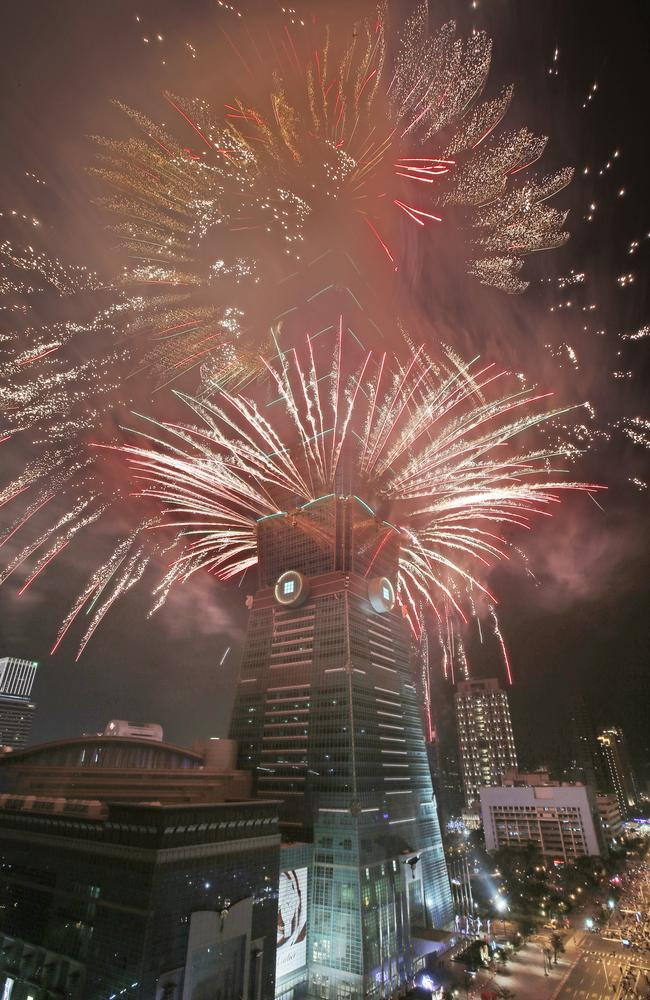 Epic ... fireworks explode from the top of the Taipei 101 skyscraper in Taipei, Taiwan. Picture: AP Photo/Wally Santana