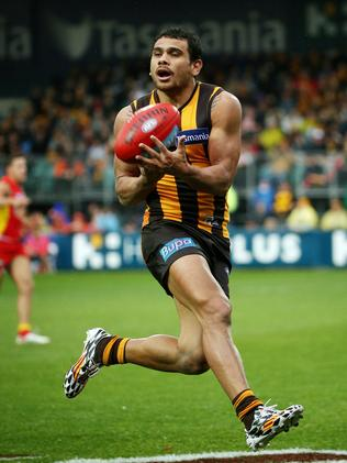 Cyril Rioli takes a mark in Round 15 Picture: Colleen Petch