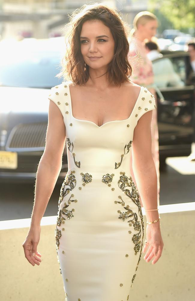 Katie Holmes glows as she arrives at the 2017 Fragrance Foundation Awards.