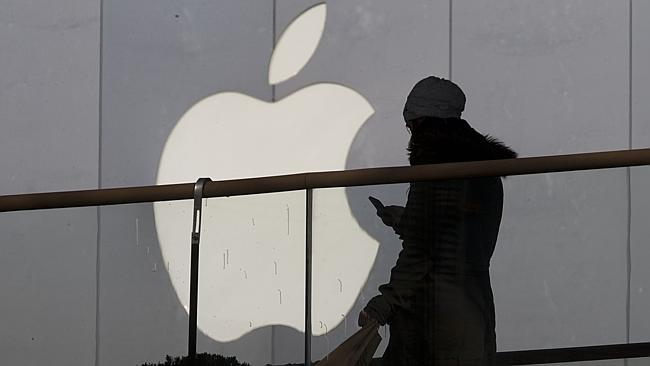 Could this be the end of Apple's war with Samsung? A mediator will enter the legal battle. Picture: AP