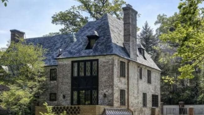 Barack and michelle obama buy amazing 11m home in for Buying a home in washington dc
