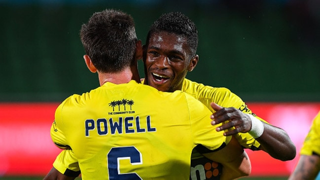 PERTH, AUSTRALIA - OCTOBER 08: Blake Powell and Kwabena Appiah of the Central Coast Mariners embrace after the draw during the round one A-League match between the Perth Glory and the Central Coast Mariners at nib Stadium on October 8, 2016 in Perth, Australia. (Photo by Daniel Carson/Getty Images)