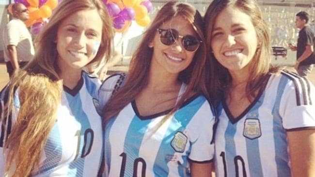 Antonella Roccuzzo, centre, and friends.