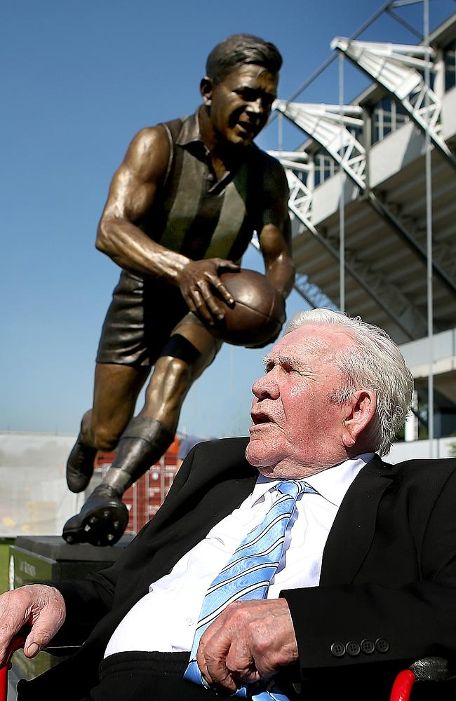Lou Richards statue unveiling