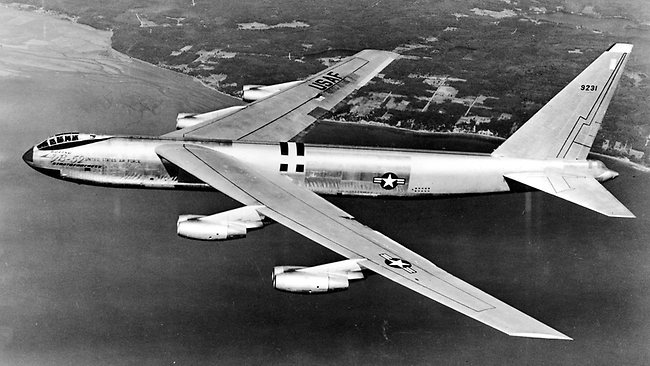 An early model Boeing B-52 in flight. (U.S. Air Force photo)