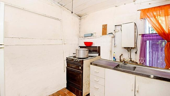 Paddo dump: This million-dollar cottage at 54 Underwood St, Paddington has no running hot