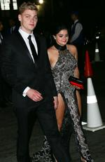 Modern Family costars Jesse Tyler Ferguson and Ariel Winter. Picture: PG / Splash News