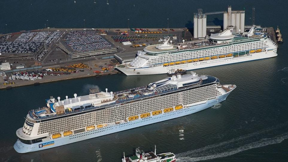RCIs Explorer Of The Seas The Biggest Cruise Liner To Call - Cruise ship deals australia