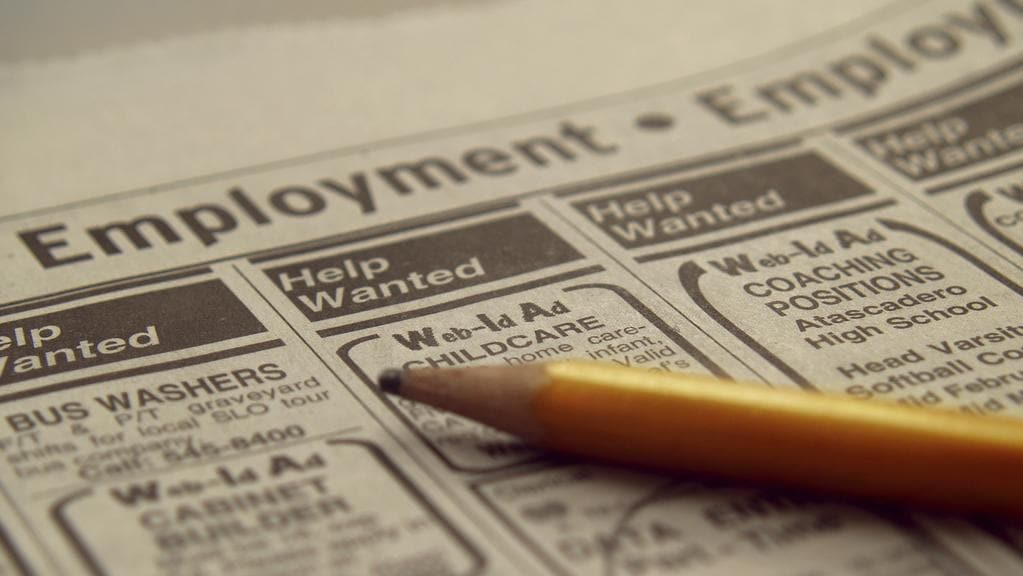 A total of 6400 jobs were lost in February, official figures show.