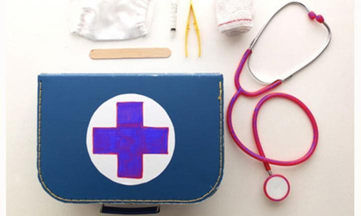 Diy doctor mask and play set kidspot diy doctor mask and play set solutioingenieria Gallery