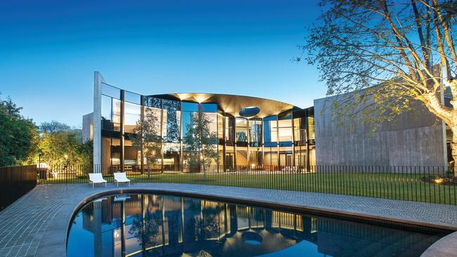 Melbourne mansion for sale 9 towers road toorak expected for Billionaire homes for sale