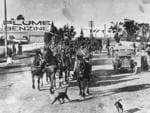 Dungarees passing along Ipswich Road, Moorooka, 1915 Credit: State Library of Queensland