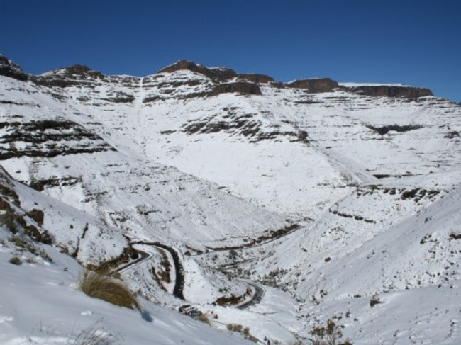 So natural snow does fall sometimes in the Drakensberg. And when it does, it looks like this.
