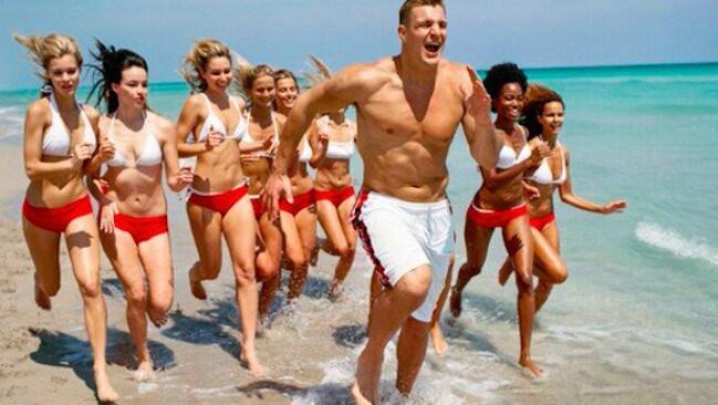 ... Tinder: NFL star reveals online dating secrets | The Courier-Mail