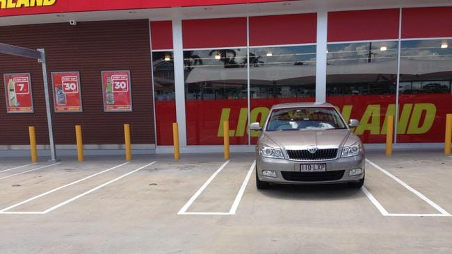 The  square hooped  lines assisted shoppers to centralise their vehicles  without compromising the number of parking bays on offer. Car park point of difference to draw shoppers to Coles Kedron