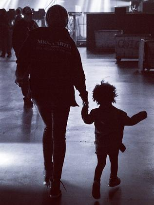 Singer Beyonce shares a cute snap with daughter Blue Ivy from behind the scenes on tour. Picture: Instagram