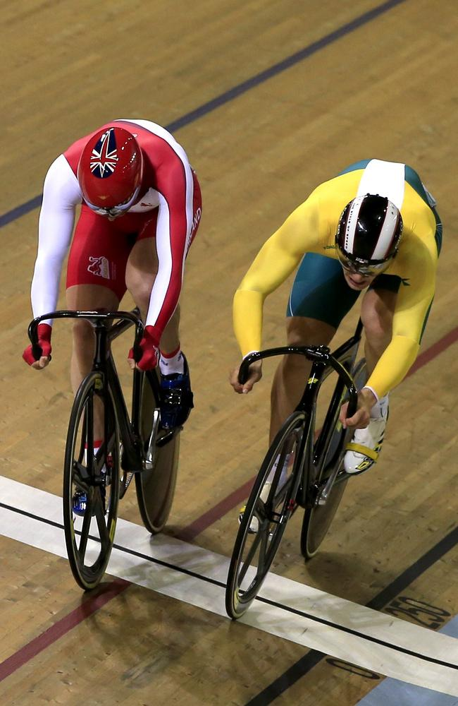 England's Jason Kenny (left) crosses the finish line ahead of Australia's Matthew Glaetzer.
